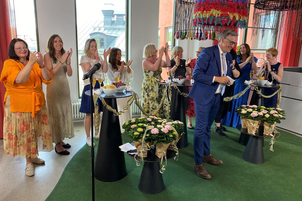 Bild på examen vid Nordiska Textilakademin
